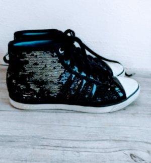Adidas sleek series limited Edition