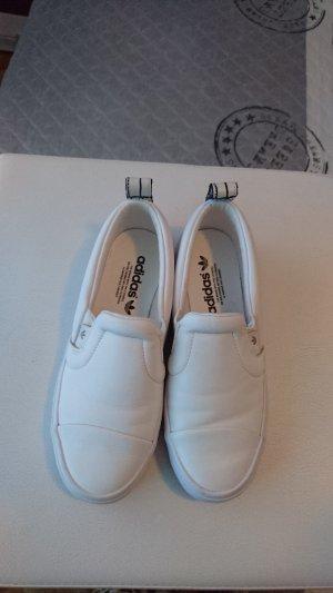 Adidas slipper in weiß