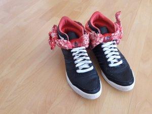 Adidas Sneaeker Gr. 39,5