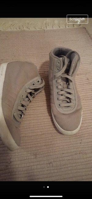 Adidas Zapatilla brogue gris claro