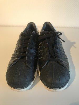 Adidas Sneaker stringata nero-bianco sporco