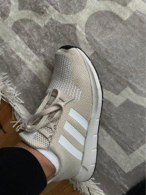 Adidas Sneakers met veters room