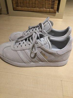 Adidas Zapatilla brogue beige claro