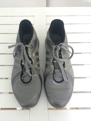 Adidas Sneaker dunkelgrau mit silber Adidasstreifen, UK 5 (Größe 37)