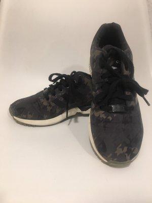 Adidas Sneaker im Camouflage Look