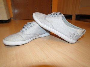 Adidas Sneaker in grau