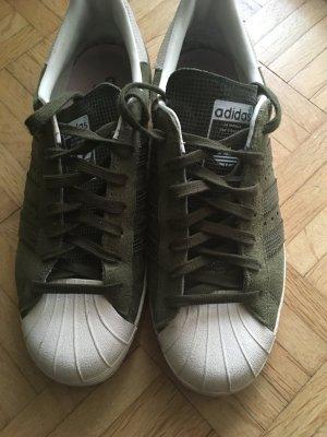 Adidas Sneaker in khakigrün