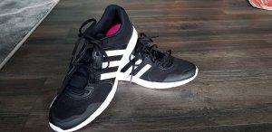 Adidas Sneaker NEU mit Etikett