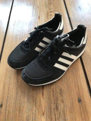 Adidas Sneaker sehr selten getragen