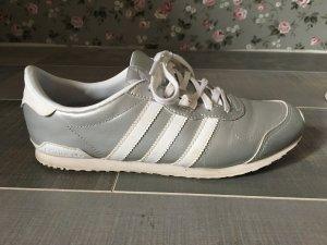 Adidas Sneaker silber weiß Gr. 37 1/3