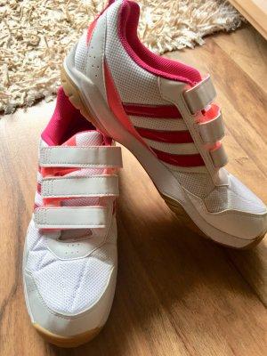 Adidas Sneaker, super Schnäppchen;) letzter Preis!