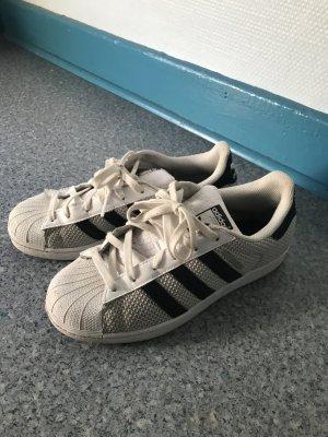 Adidas sneaker, Superstars