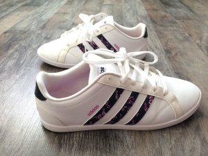 Adidas Sneaker weiß mit Streifen geblümt *NEU*