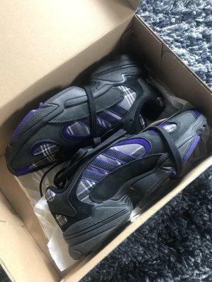 Adidas Originals Sneaker stringata nero-viola scuro