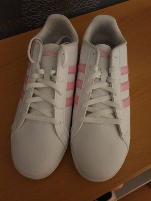 Adidas NEO Basket à lacet blanc-rose clair