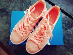 Adidas Originals Lace-Up Sneaker apricot