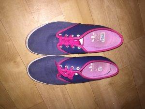 Adidas Sneakers in Blau
