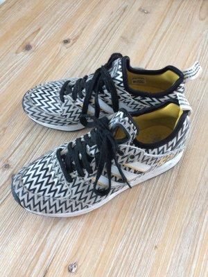 Adidas Sneakers Tech Super schwarz weiß Größe 40