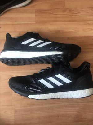 Adidas Solardrive ST Laufschuhe Jogging Schuhe Sportschuhe schwarz weiß 42 neu