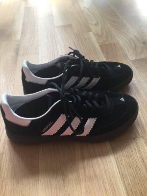Adidas Sport-/Hallenschuhe neu & Original !