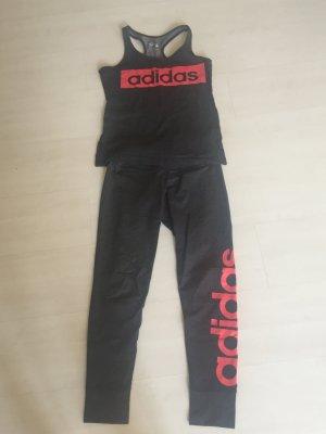 Adidas Sportanzug, grau