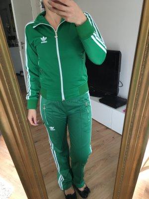 Adidas Sportanzug grün