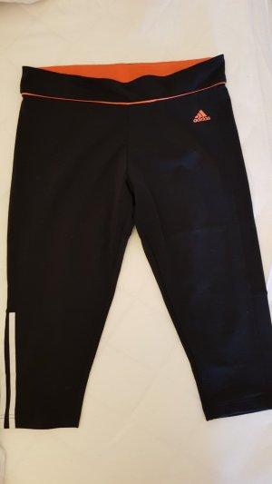 Adidas Sporthose.