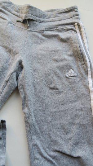 adidas sporthose 3/4 hose hellgrau grau 34/36