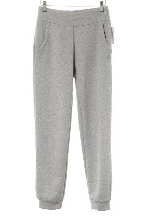Adidas pantalonera gris claro moteado estilo deportivo