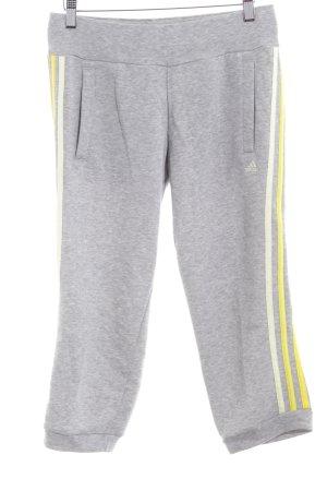 Adidas Sporthose hellgrau sportlicher Stil