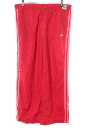 Adidas Sporthose rot sportlicher Stil