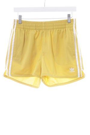 Adidas Sporthose weiß-dunkelgelb sportlicher Stil