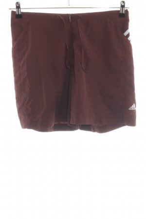 Adidas Sport Shorts red-white casual look
