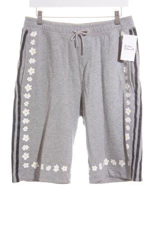 Adidas Sportshorts florales Muster Casual-Look
