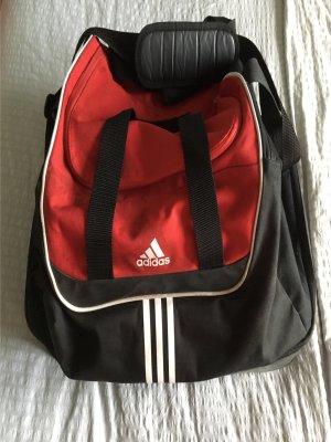 Adidas Sporttasche in rot/schwarz mit getrennten Schuhfach