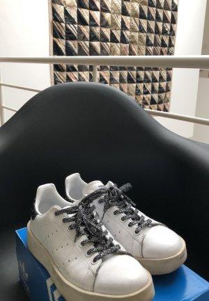 Adidas Originals Sneaker stringata bianco-nero