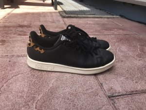 Adidas Originals Sneaker stringata nero