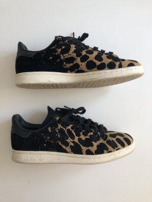Adidas Stan Smith mit Leopardenmuster