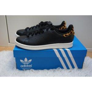 Adidas Stan Smith schwarz mit Leo Muster/Print