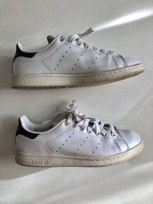 Adidas Basket à lacet blanc-bleu foncé