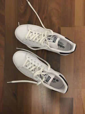 Adidas Sneakers met veters wit-donkerblauw Leer