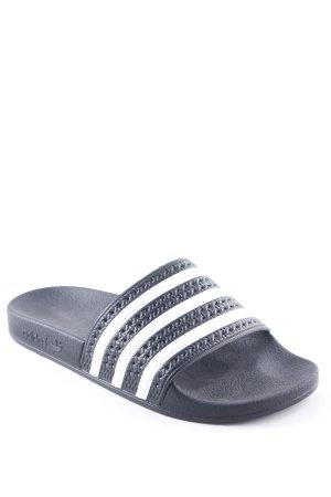 Adidas Strandsandalen zwart-wit gestreept patroon Beach-look