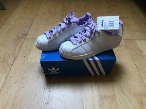 Adidas Originals Lace-Up Sneaker white-purple