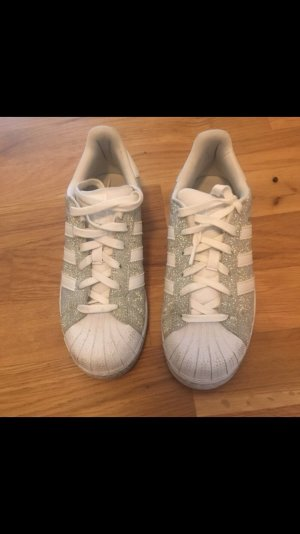 Adidas Superstar in Silber!