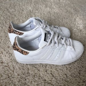 Adidas Superstar Leo TOP Gr. 37,5