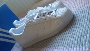 Adidas Originals Sneaker stringata bianco
