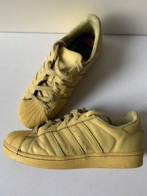 Adidas Originals Sneaker stringata giallo chiaro