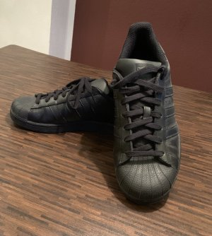 Adidas Superstar Sneaker, schwarz, Gr. 40,5