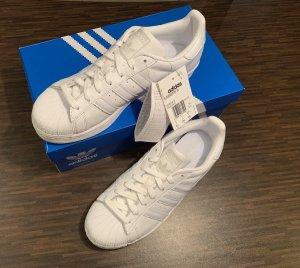 Adidas Superstar Sneaker, weiß, Gr. 40,5 - NEU