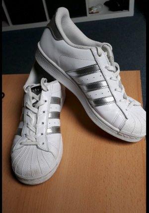 Adidas Originals Sneaker stringata bianco-argento
